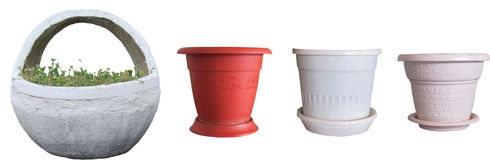 Flower pots and a basket of concrete, decorative Royalty Free Stock Photography
