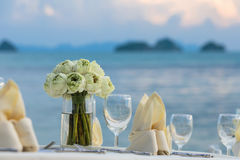 Flower setting. On the beach Royalty Free Stock Photography
