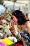 flower shopping στοκ φωτογραφία με δικαίωμα ελεύθερης χρήσης