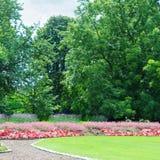 flowerbeds no parque fotografia de stock royalty free