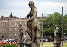 flowerpot αγελάδων αστείο άγαλμα κήπων Στοκ εικόνα με δικαίωμα ελεύθερης χρήσης