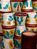 Flowerpots empilhados no mercado mexicano Imagens de Stock Royalty Free