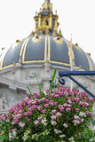 Flowers with background of City Hall, Sanfrancisco Stock Photography