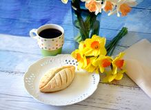 Flowers and pastry for mothers day Stock Photo