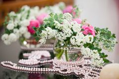 Flowers - tables set for wedding Royalty Free Stock Photos
