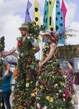 Flowery γίγαντες στο φεστιβάλ καναλιών του Λιντς Λίβερπουλ σε Burnley Lancashire Στοκ εικόνα με δικαίωμα ελεύθερης χρήσης