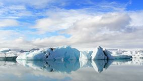 Flowing Icebergs Royalty Free Stock Photography