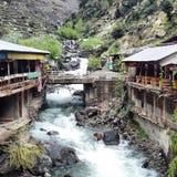 Flowingriver do hotel beautifulsky fotografia de stock royalty free