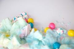 Fluffig sockervadd och gumballs arkivbilder