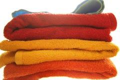 fluffiga handdukar för färg Fotografering för Bildbyråer