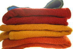 fluffiga handdukar för färg Arkivfoto