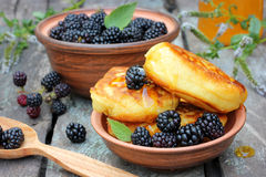 Fluffy pancakes with fresh blackberries Royalty Free Stock Photo