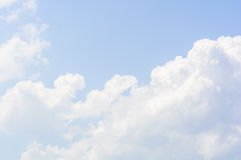 Fluffy white clouds in the sky Royalty Free Stock Images