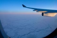 Flug über der Arktis Stockfotos