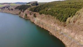 Flug über See am Frühling stock video footage
