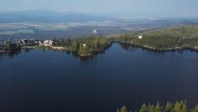Flug über Strbske Pleso, Slowakei stock footage