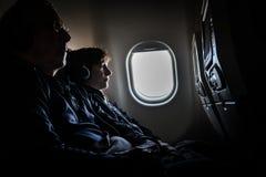 Flug von Singapur nach Seoul lizenzfreie stockfotos