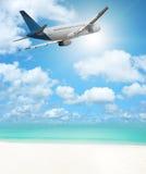 Flug zum Paradies Lizenzfreie Stockfotos