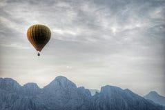 Fluga över Vangen Vieng Royaltyfri Fotografi