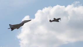 Fluga för MiG 35 och för MiG 3 Royaltyfri Foto