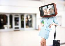 Flugbegleiter mit Fernsehhauptschlafen vektor abbildung