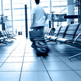 Fluggäste im Flughafen Lizenzfreies Stockbild