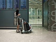 Fluggast im Flughafen Stockfoto