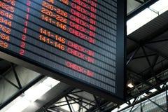Flughafen-Abflug-Vorstand Stockfotografie