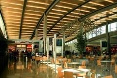 Flughafen des Terminals eins Stockfoto