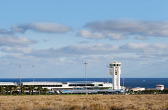 Flughafen mit Verkehrs-Zentrale, Lizenzfreies Stockbild
