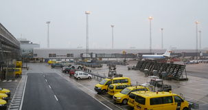 Flughafen-Parken stock video footage