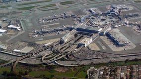 Flughafen Sans Francisco International von der Luft stockbild