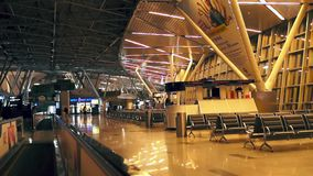 Am Flughafen timelaps stock video footage