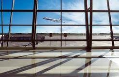 Flughafenabfertigungsgebäude in Jakarta Stockbild