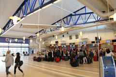 Flughafeninnenraum Lizenzfreie Stockfotos