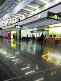 Flughafeninnenraum Wiens Schwechat Stockfotos
