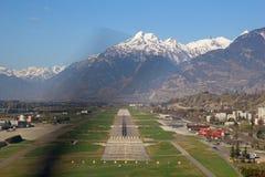 Flughafenlaufbahn lizenzfreies stockfoto