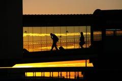 Flughafenleute stockbild