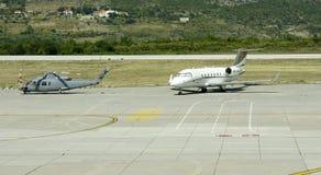 Flughafenrollbahn Dubrovnik Stockfotografie