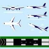 Flughafenrollbahn, Flüge Stockfoto