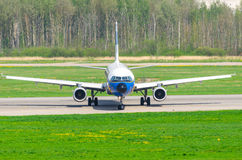 Fluglinien Airbusses a321 Lufthansa, Flughafen Pulkovo, Russland St Petersburg im Mai 2014 Stockfotos