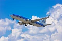 Fluglinien Boeing 737-8K2 KLMs Royal Dutch stockfotografie