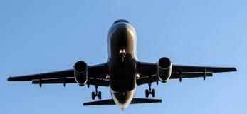 Fluglinien-Landung Stockfoto