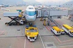 Fluglinienladungladen stockbilder