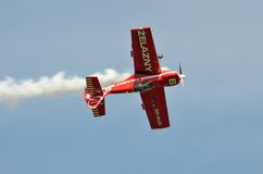 Flugschau - akrobatisches Flugzeug Lizenzfreie Stockfotografie