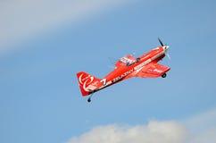 Flugschau - akrobatisches Flugzeug Lizenzfreies Stockbild