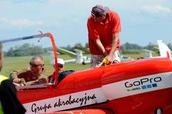 Flugschau - akrobatisches Flugzeug Lizenzfreies Stockfoto