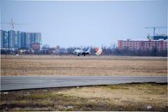 Flugschau im Himmel über der Krasnodar-Flughafen-Flugschule Stockfoto