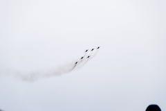 Flugschau im Himmel über der Krasnodar-Flughafen-Flugschule Airshow zu Ehren des Verteidigers des Vaterlands MiG-29 im Himmel Stockbild