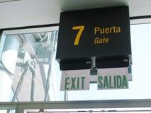 Flugsteig 7, Warteabschnitt im Flughafen Lizenzfreie Stockfotos